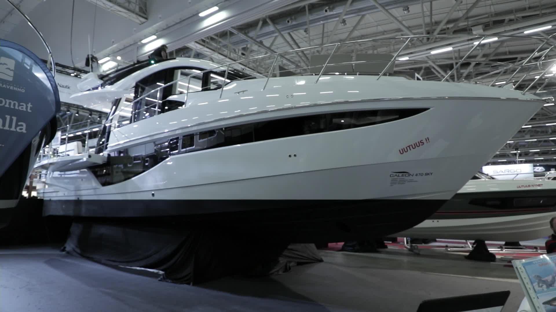 Vene 18 Båt: Messujen matkamoottoriveneeksi valittiin Galeon 470 Skydeck