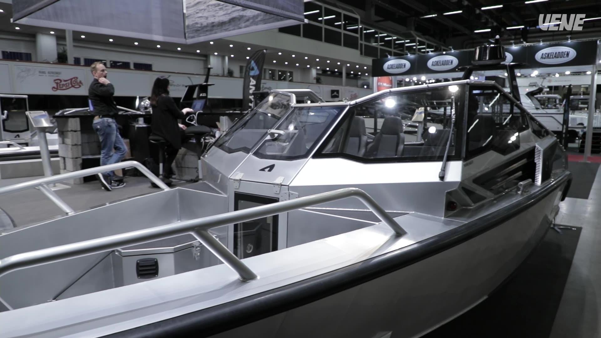 Vene 18 Båt: Messujen avomoottoriveneeksi valittiin Anytec A27