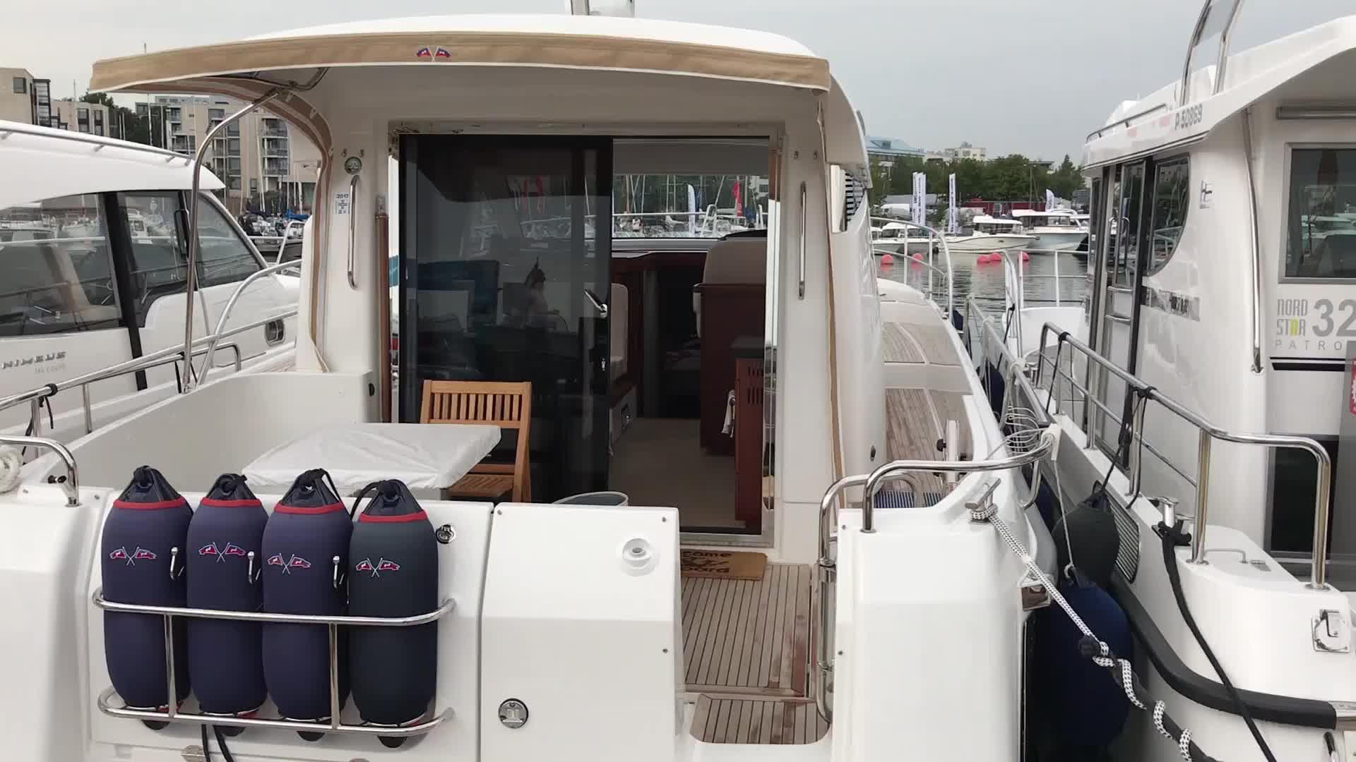 Uiva venenäyttely: Videoesittelyssä Nimbus 405